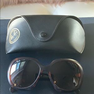Preloved Ray-Ban 4208 Butterfly Oversized Women's